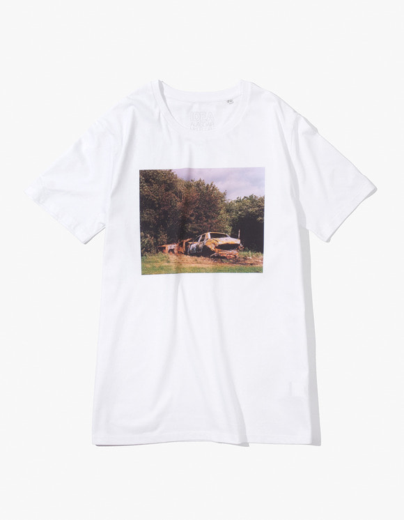 IDEA Alasdair McLellan British Summer CAR CRASH T-Shirt - White | HEIGHTS. | 하이츠 온라인 스토어