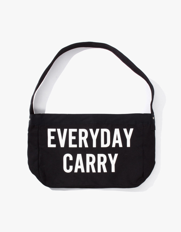 IZOLA NYC Everyday Carry Tote Bag - Black | HEIGHTS. Online Store