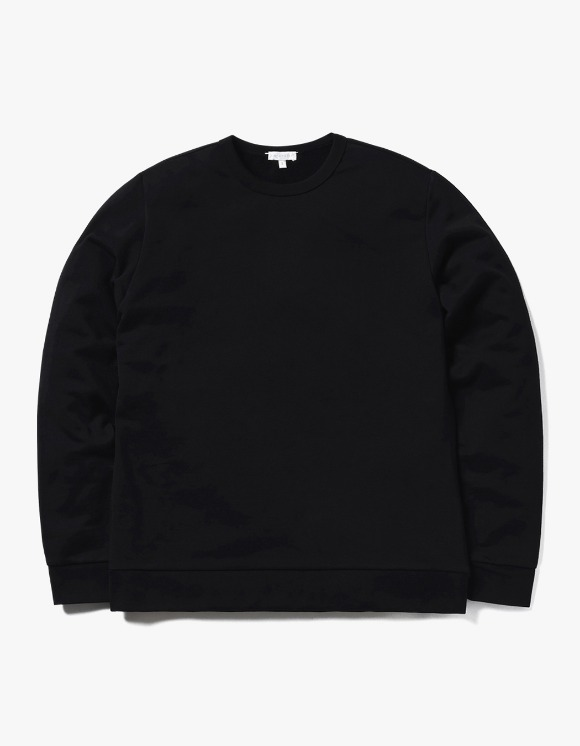 AECA WHITE Jarret Sweatshirt - Black | HEIGHTS. | 하이츠 온라인 스토어