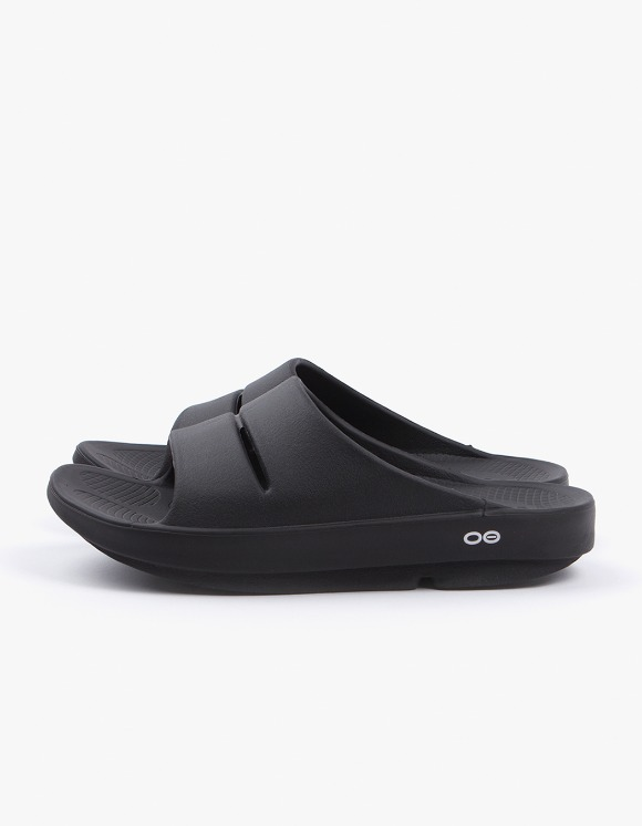 OOFOS Healing Slipper - Black | HEIGHTS. | 하이츠 온라인 스토어