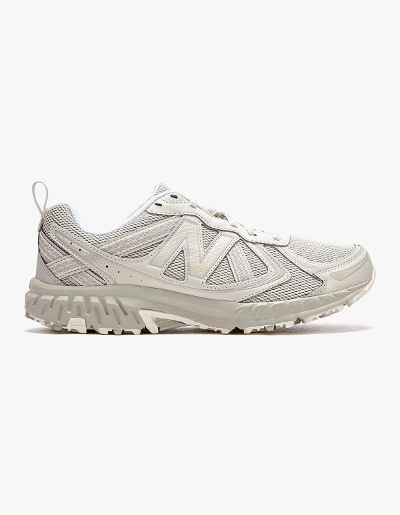 New Balance MT410V5 - Beige | HEIGHTS. | 하이츠 온라인 스토어