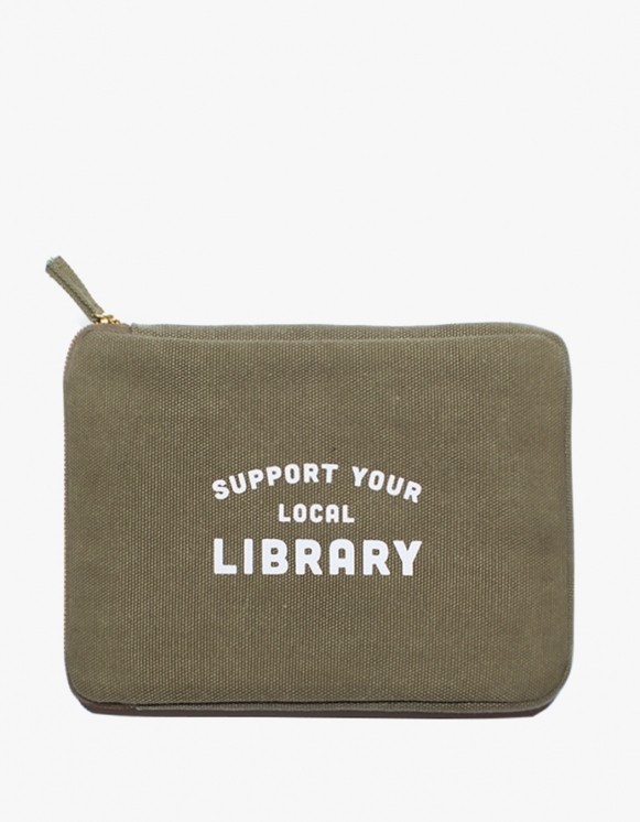 IZOLA NYC Ipad Pouch - Library | HEIGHTS. | 하이츠 온라인 스토어