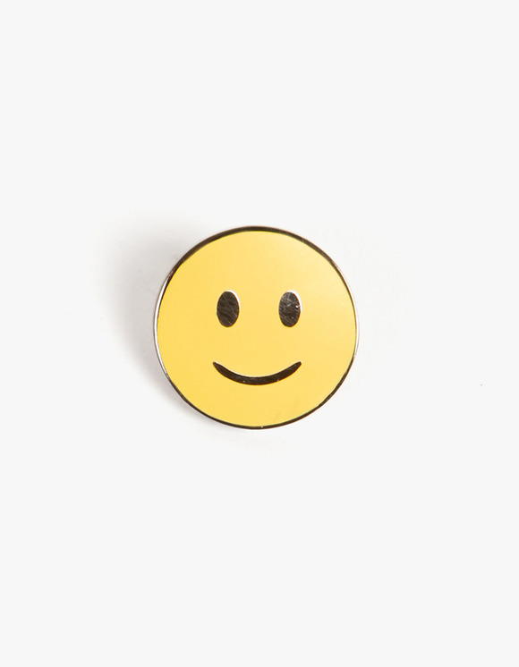 PINTRILL Smiling Face Pin | HEIGHTS. | 하이츠 온라인 스토어