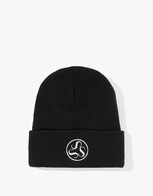Stanton Street Sports Emblem Beanie - Black | HEIGHTS. | 하이츠 온라인 스토어