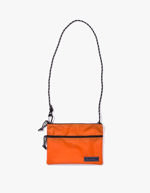 IZOLA NYC Ripstop Sacoche - Orange | HEIGHTS. | 하이츠 온라인 스토어