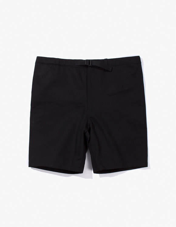 IZOLA NYC Cotton Twill Belted Short - Black | HEIGHTS. | 하이츠 온라인 스토어