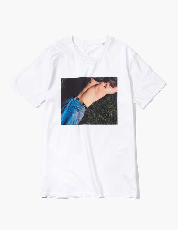 IDEA Alasdair McLellan British Summer JOE BLOGGS T-Shirt - White | HEIGHTS. | 하이츠 온라인 스토어