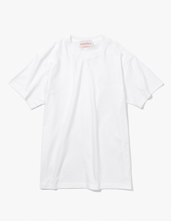 Victoria Hong Kong Queen Head Embroidered Tee - White | HEIGHTS. | 하이츠 온라인 스토어