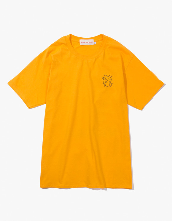 Victoria Hong Kong Queen Head Tee - Gold Yellow | HEIGHTS. | 하이츠 온라인 스토어