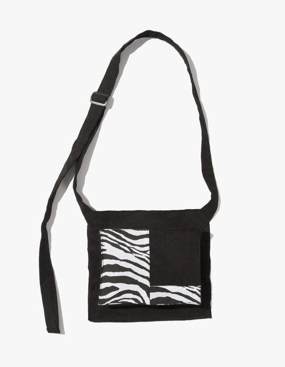 Kruchi lab Zebra Pocket Bag  - Black | HEIGHTS. | 하이츠 온라인 스토어