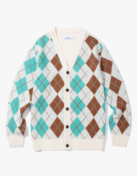 IZOLA NYC Argyle Check Cardigan - Cream | HEIGHTS. | 하이츠 온라인 스토어