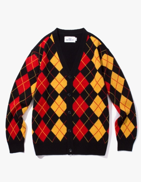 IZOLA NYC Argyle Check Cardigan - Black | HEIGHTS. | 하이츠 온라인 스토어
