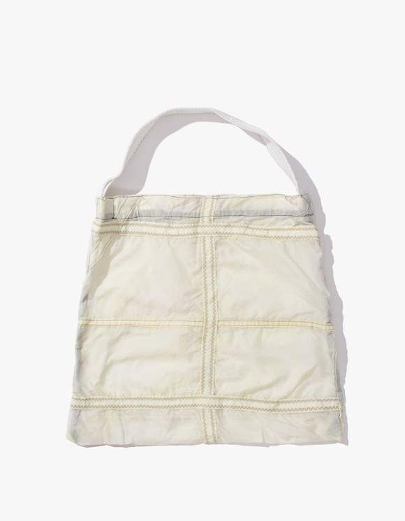 PUEBCO INC. Vintage Parachute Light Bag - White | HEIGHTS. | 하이츠 온라인 스토어