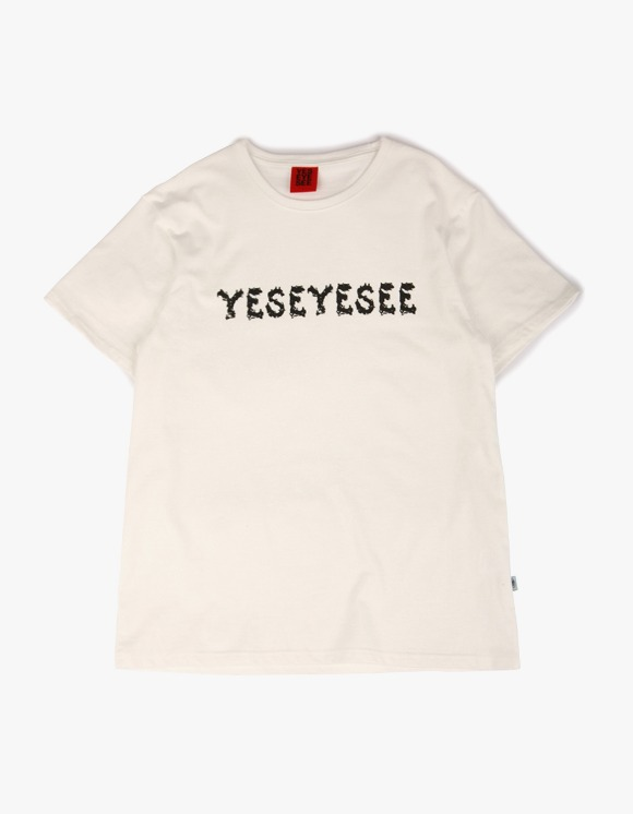 yeseyesee P-Logo Tee - White | HEIGHTS. | 하이츠 온라인 스토어