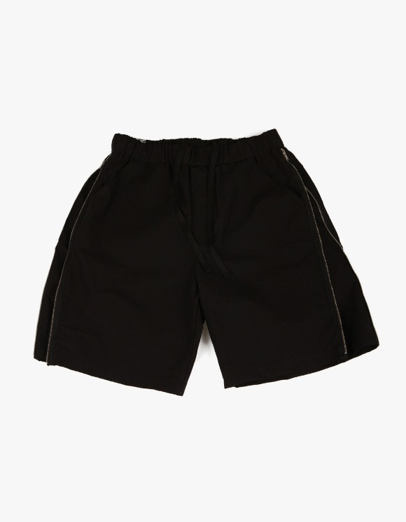 yeseyesee Zip Shorts - Black | HEIGHTS. | 하이츠 온라인 스토어