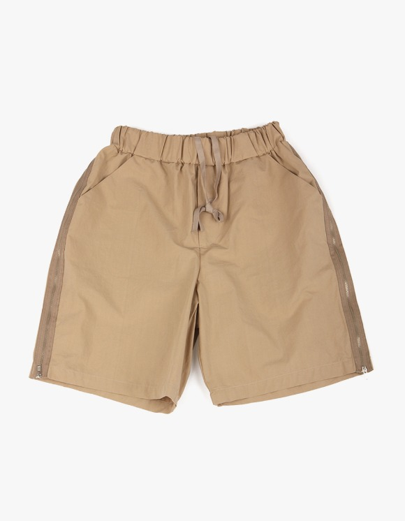yeseyesee Zip Shorts - Beige | HEIGHTS. | 하이츠 온라인 스토어