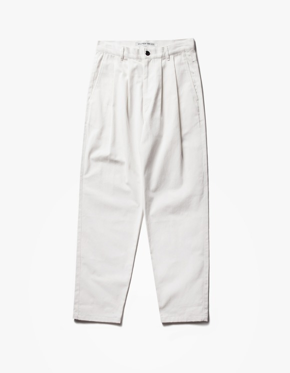IZOLA NYC Regular Chino Pants - Off White | HEIGHTS. | 하이츠 온라인 스토어