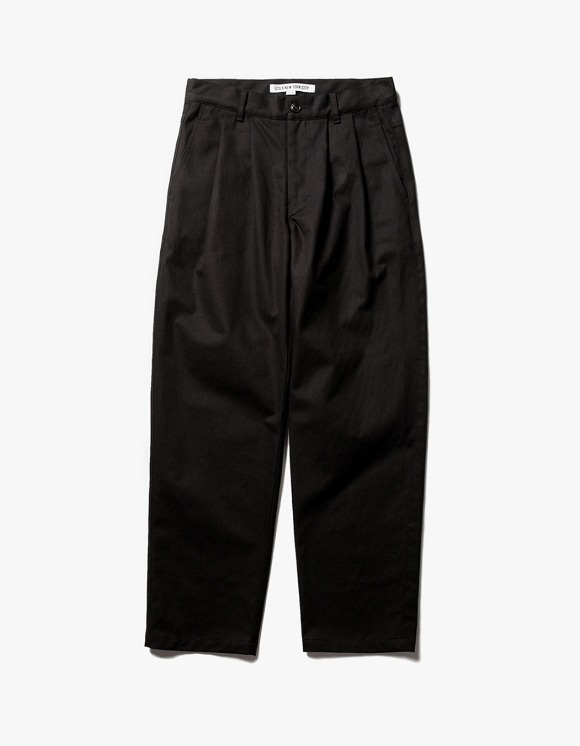 IZOLA NYC Regular Chino Pants - Black | HEIGHTS. | 하이츠 온라인 스토어