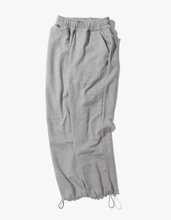 Kruchi lab Keyring point sweat pants - Grey | HEIGHTS. | 하이츠 온라인 스토어