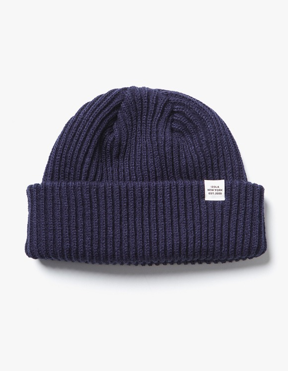 IZOLA NYC Logo Short Beanie - Navy | HEIGHTS. | 하이츠 온라인 스토어