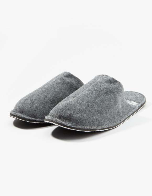 PUEBCO INC. Slipper - Light Grey | HEIGHTS. | 하이츠 온라인 스토어