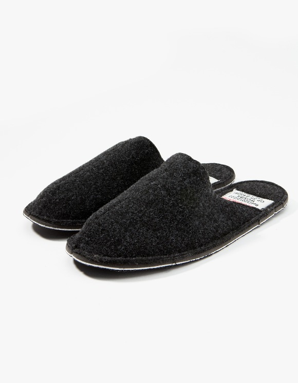 PUEBCO INC. Slipper - Dark Grey | HEIGHTS. | 하이츠 온라인 스토어