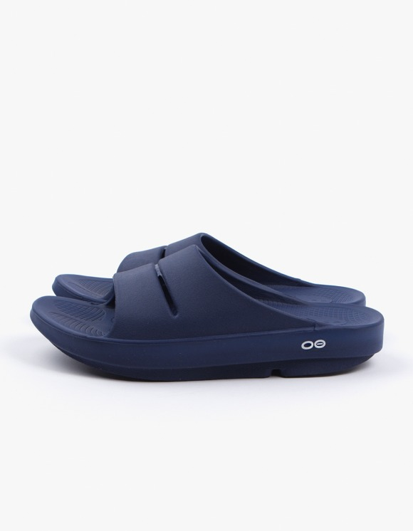 OOFOS Healing Slipper - Navy | HEIGHTS. | 하이츠 온라인 스토어