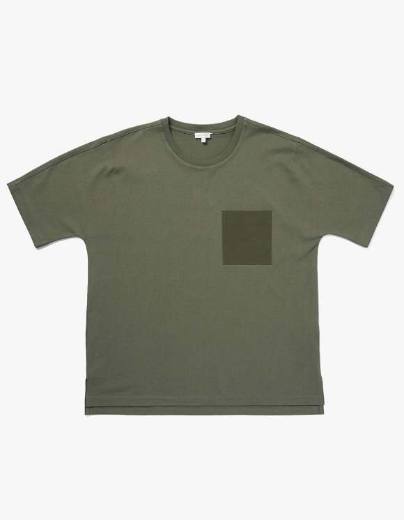 AECA WHITE BILL Pocket Tee - Khaki | HEIGHTS. | 하이츠 온라인 스토어