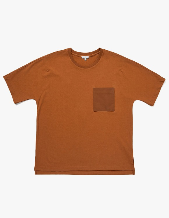 AECA WHITE BILL Pocket Tee - Toffee | HEIGHTS. | 하이츠 온라인 스토어