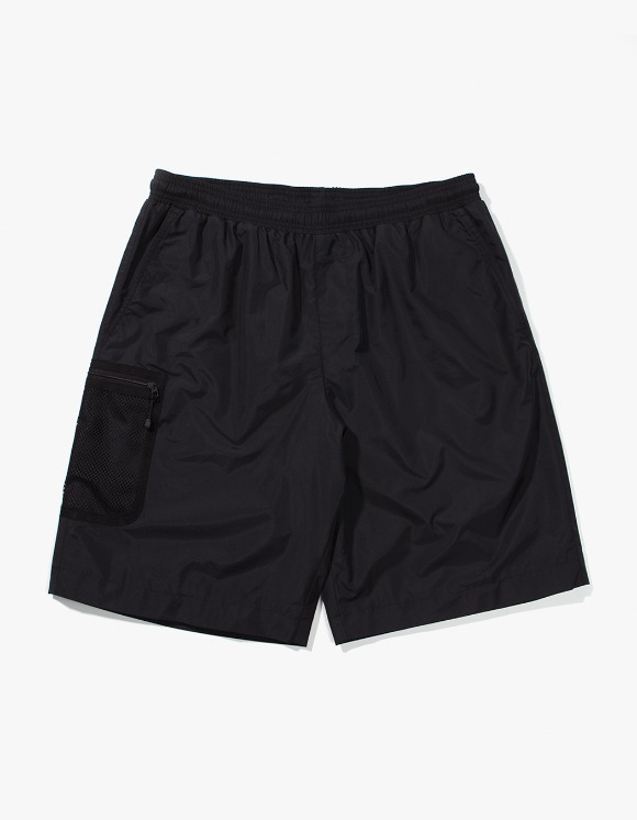 Lores Mesh Pocket Shorts - Black | HEIGHTS. | 하이츠 온라인 스토어