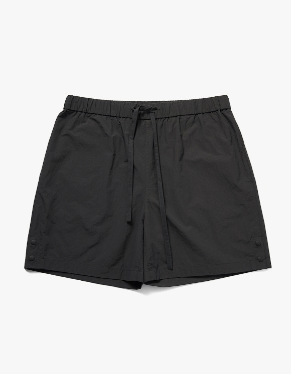 AECA WHITE Ryui Shorts - Charcoal | HEIGHTS. | 하이츠 온라인 스토어