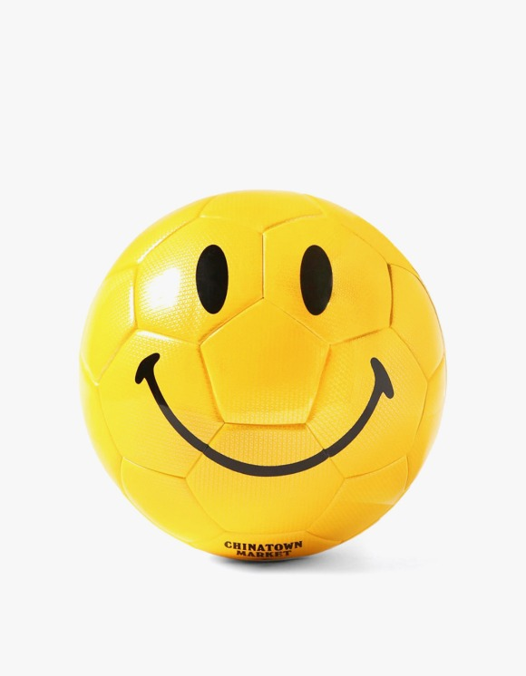 Chinatown Market Chinatown Market Smiley Soccer Ball | HEIGHTS. | 하이츠 온라인 스토어