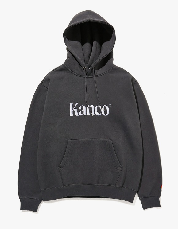 KANCO KANCO SERIF LOGO HOODIE charcoal | HEIGHTS. | 하이츠 온라인 스토어