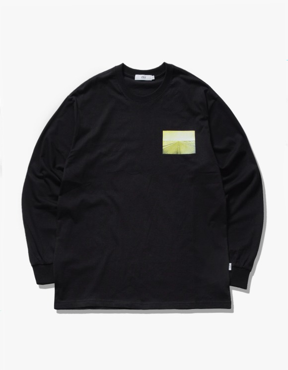 IZOLA NYC Bridges L/S Tee - Black | HEIGHTS. | 하이츠 온라인 스토어