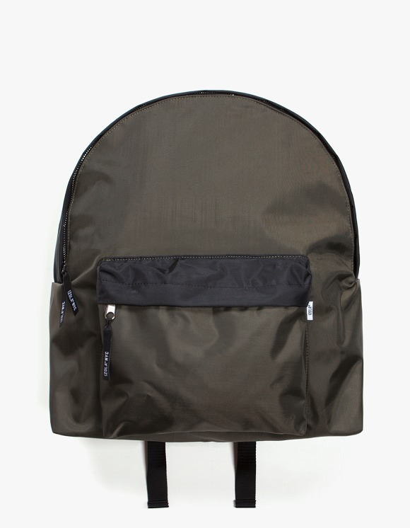 IZOLA NYC 2 Tone Daypack - Olive/Black | HEIGHTS. | 하이츠 온라인 스토어