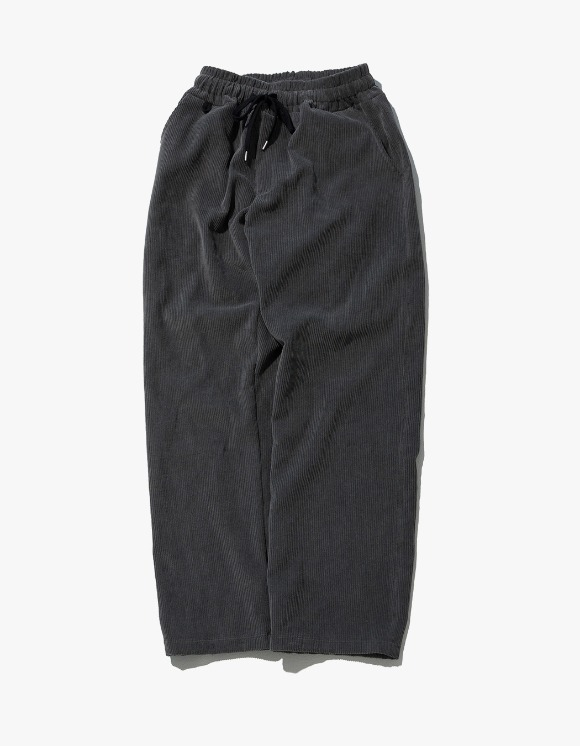Kruchi lab Corduroy Keyring Easy Pants - Charcoal | HEIGHTS. | 하이츠 온라인 스토어
