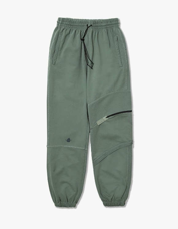 Cost Per Kilo Twisted Cargo Sweat Pants - Olive | HEIGHTS. | 하이츠 온라인 스토어