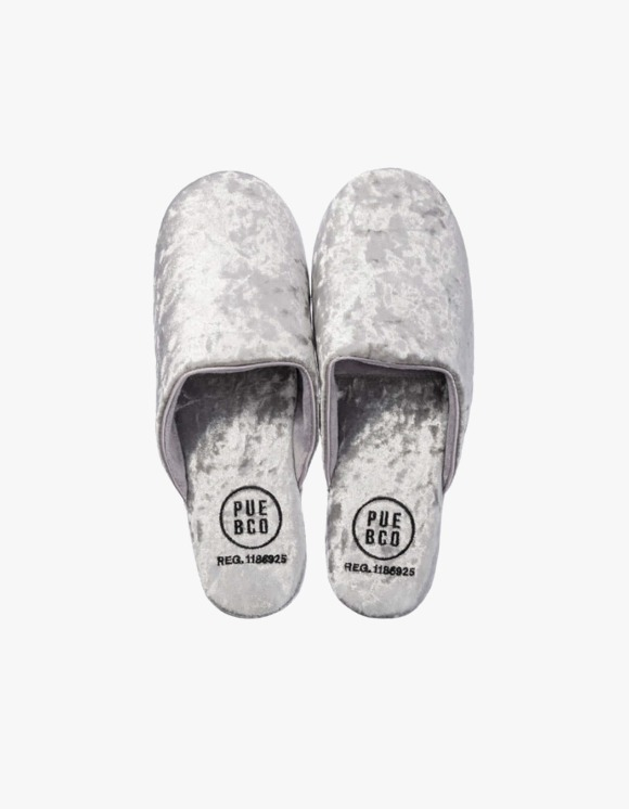 PUEBCO INC. Velvet Slipper, Large - Silver | HEIGHTS. | 하이츠 온라인 스토어