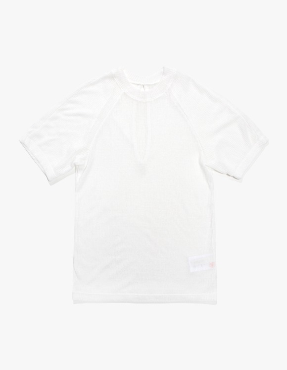 KIJUN Back Slit T-shirts - White | HEIGHTS. | 하이츠 온라인 스토어