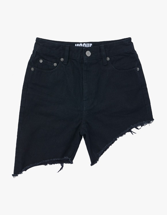 MISCHIEF Unbalanced Shorts - Black | HEIGHTS. | 하이츠 온라인 스토어