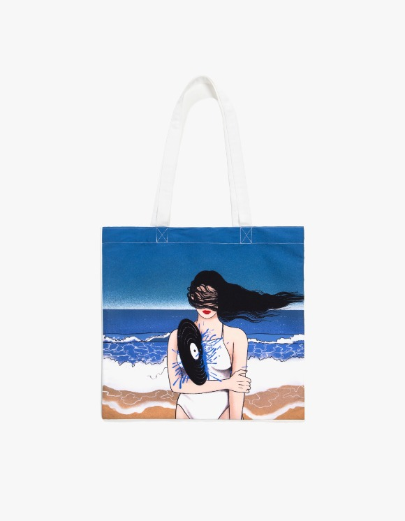 HEIGHTS. X MIKI Heart Attack Bag - White | HEIGHTS. | 하이츠 온라인 스토어