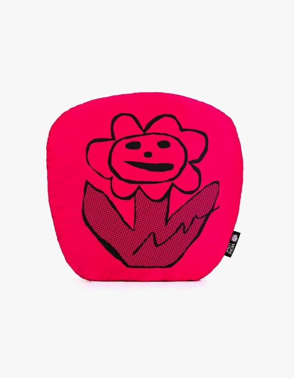 Balansa X More Love By Kentaro Flower Cushion - Red | HEIGHTS. | 하이츠 온라인 스토어