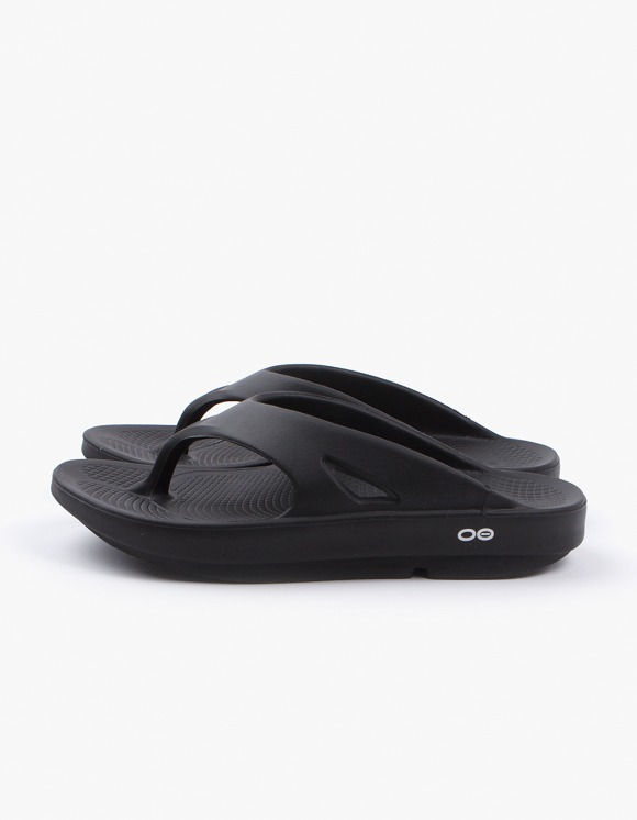 OOFOS Healing Flip Flop Slipper - Black | HEIGHTS. | 하이츠 온라인 스토어