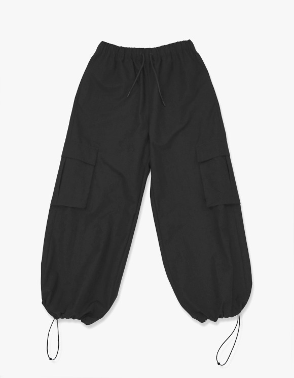Enzo Blues Wide Cargo Jogger Pants - Black | HEIGHTS. | 하이츠 온라인 스토어