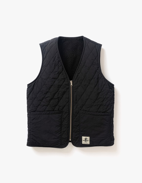 Victoria Hong Kong Reversible Vest - Black | HEIGHTS. | 하이츠 온라인 스토어