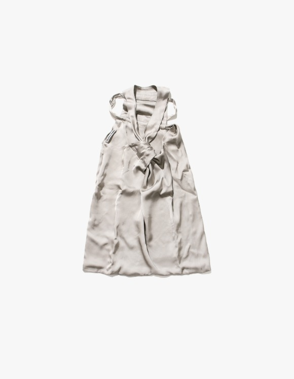 TheOpen Product Unbalanced Halter Neck Blouse - Gray | HEIGHTS. | 하이츠 온라인 스토어