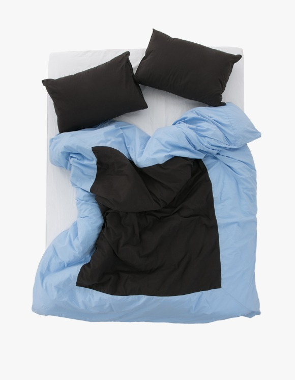 GATA Island Duvet Cover - Sky Blue/Black | HEIGHTS. | 하이츠 온라인 스토어