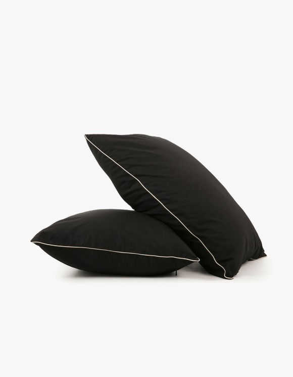 GATA Cicci Pillow Case - Black/Ivory | HEIGHTS. | 하이츠 온라인 스토어