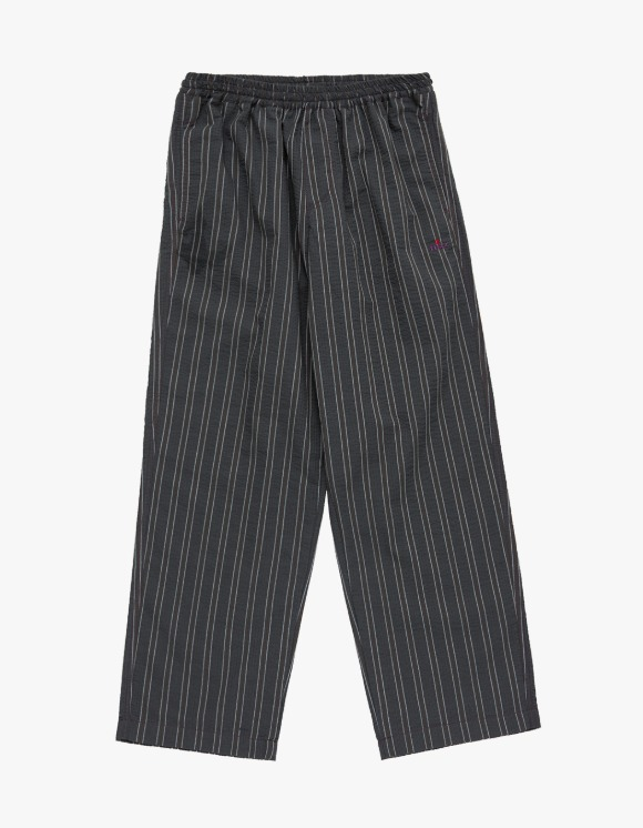 Fuzz FUZZ SEERSUCKER STRIPE EASY PANTS charcoal | HEIGHTS. | 하이츠 온라인 스토어
