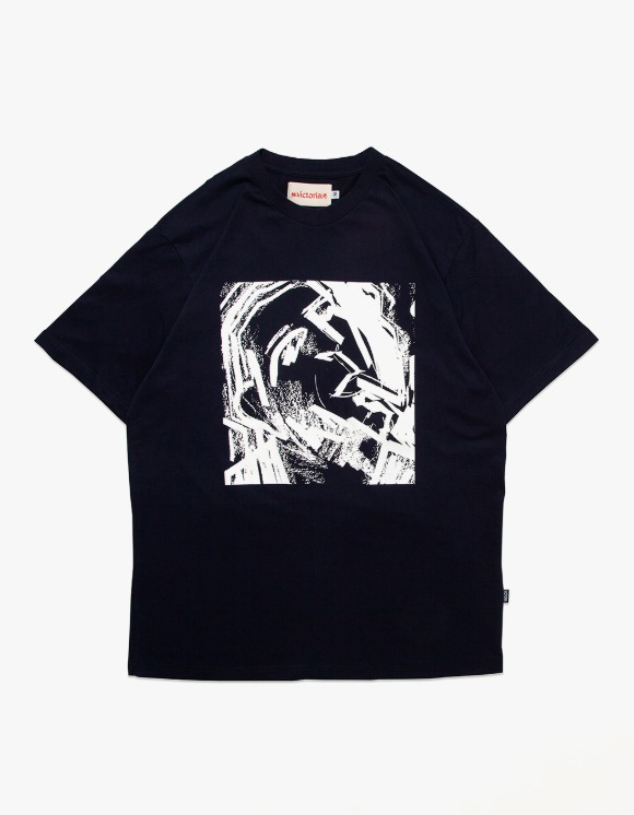 Victoria Hong Kong Tom S/S Tee - Navy | HEIGHTS. | 하이츠 온라인 스토어